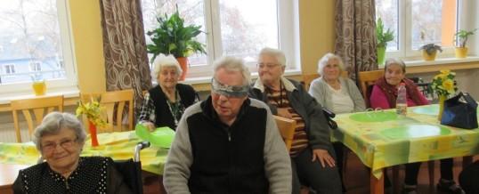 Jízda na slepo aneb sportovní hry seniorů