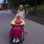 paní Pešková se svou vnučkou