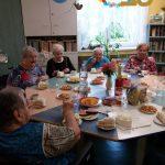 narozeninová oslava klientky Libušky - konzumace pochutin