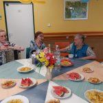 narozeninová oslava klientky Libušky - přípitek, růžové rychlé špunty