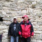 senioři nabírajicí energii v kláštěře Panenský Týnec