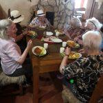 seniorky u oběda